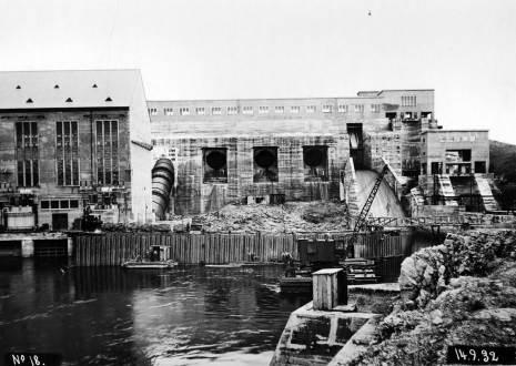 Construction of Spillway Navigation Lock