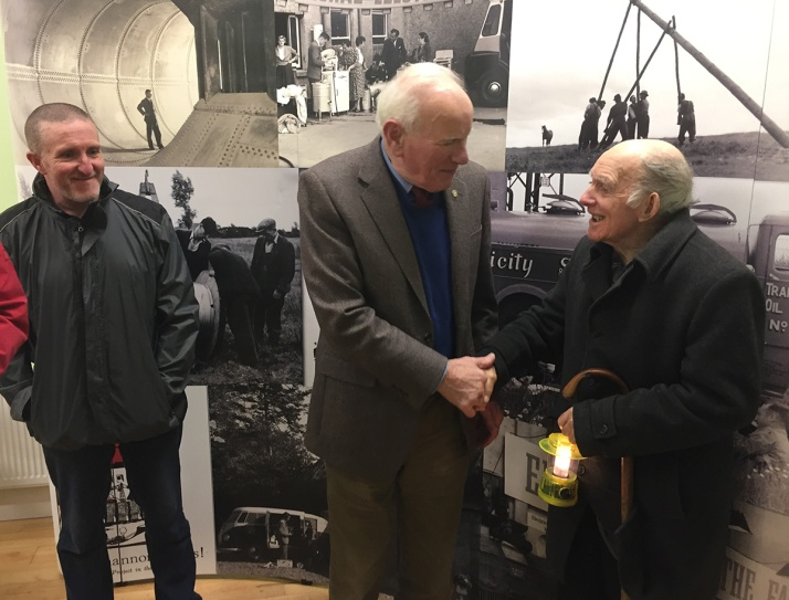 oldtown-handshake