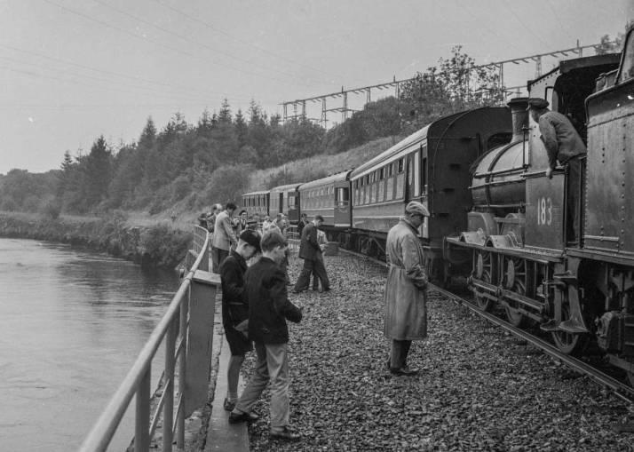 IRRS train approaching Ardnacrusha power station, 1 September 1962
